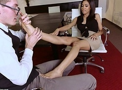 Latin babe Shay Evans does Footjob