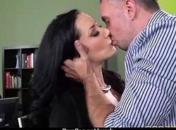 Chunky boobed babe helps their way CEO get off greatest extent within reach work 9